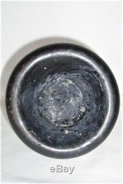 17th / 18th century glass Mallet Bottle found in Boston Lincolnshire. Black