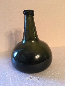 ANTIQUE CA. 1700s BLACK GLASS HAND BLOWN DUTCH ONION WINE BOTTLE