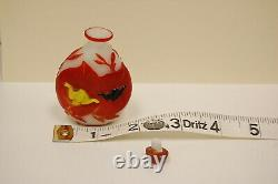 Antique Chinese Peking Glass Snuff Bottle Red Yellow Black Overlay Charity DS19