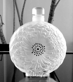Lalique France Dahlia Bottle Nr. 1 (Largest, 8 1/3), From 1931 Bath Set. V. G