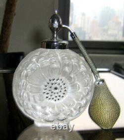 Lalique France Dahlia Spray Bottle Nr. 3 (6), From 1931 Supplementary Bath Set