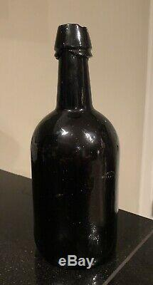 OH Ohio Cincinnati Walker Black Glass Ale Whiskey Whisky Bottle Crude Lip