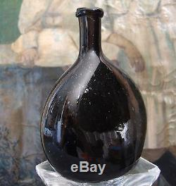 SMALL ANTIQUE FRENCH BLACK GLASS ALCOHOL ARMAGNAC BOTTLE 18th PONTIL SCARE 1